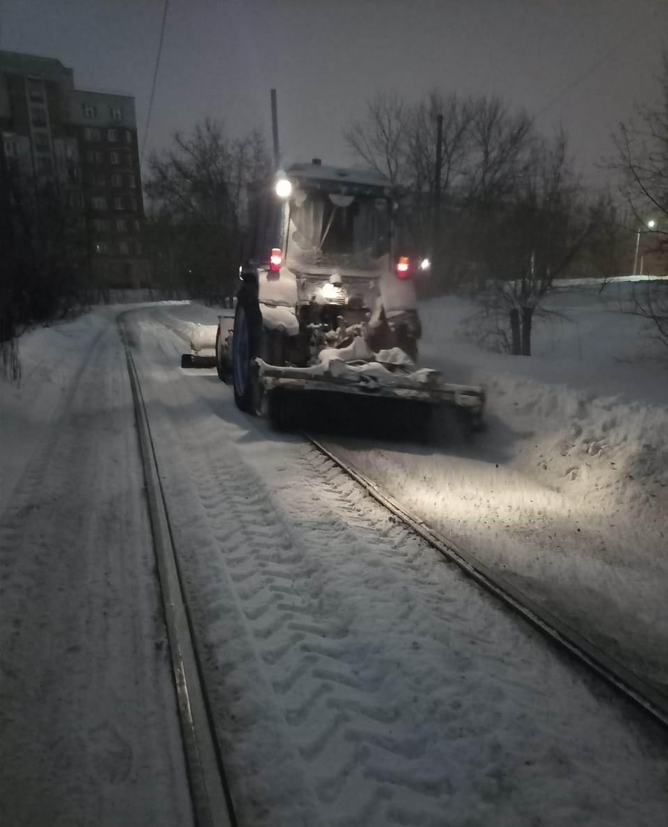 Read more about the article Обильный снегопад не стал помехой для следования трамваев по маршруту согласно расписанию