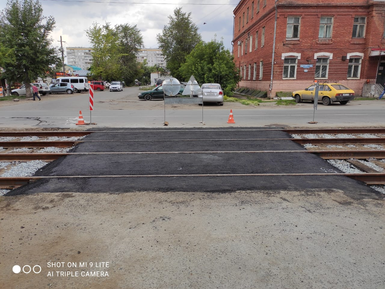 Read more about the article Восстановлено асфальтовое покрытие межквартального проезда после проведения капитального ремонта трамвайных путей